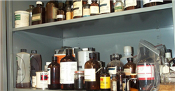 chemical_inventory_on_shelf_2-resized-600-small_.jpg