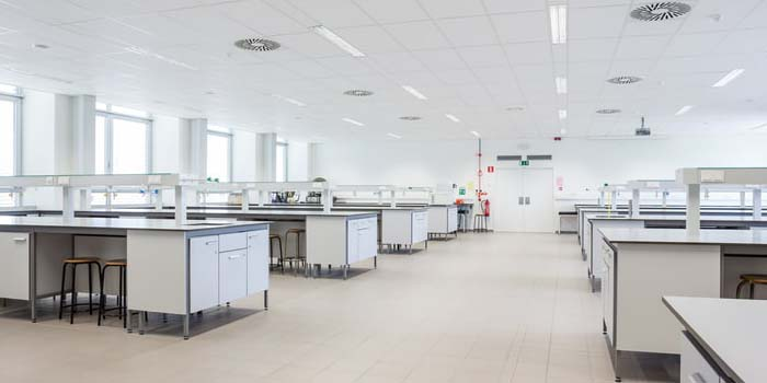 6 Ways to Manage Risk When Planning a Lab Relocation