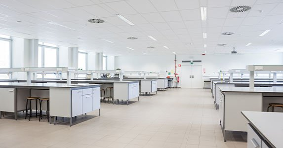 Moving to a Wet Lab Space? Here are Three Important Phases of Your Move